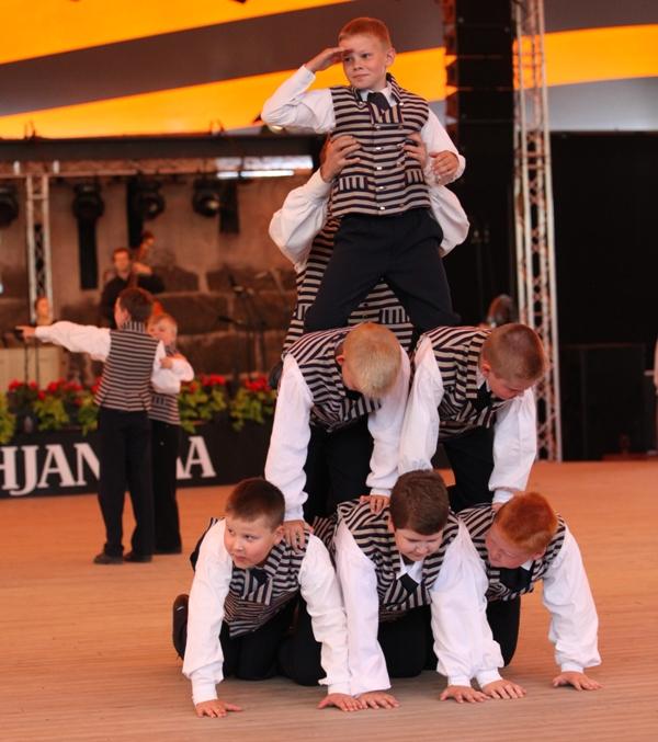 Tanssia 2013 Kaustinen01