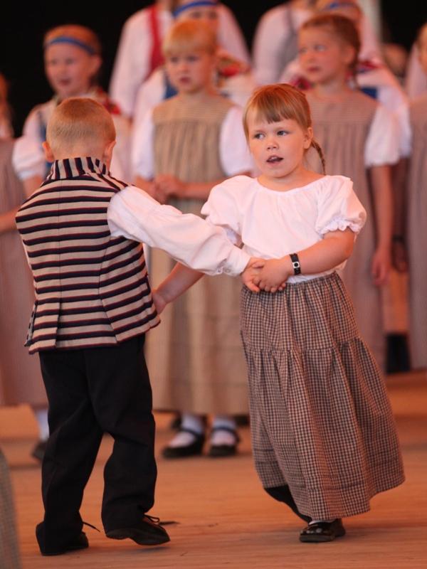 Tanssia 2013 Kaustinen03