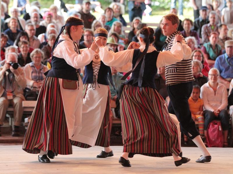 Tanssia 2013 Kaustinen09